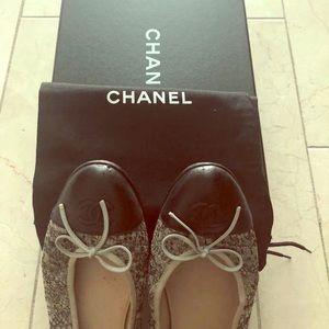 Chanel metallic ballet flats